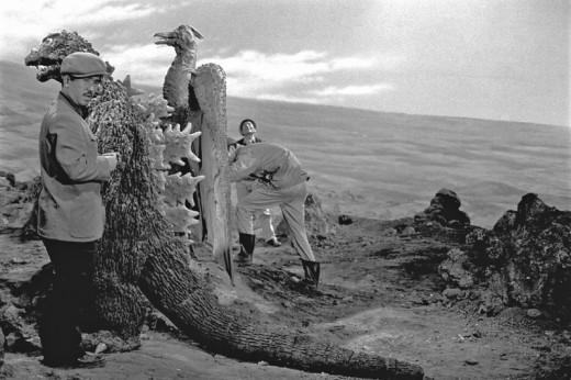 Godzilla-vs.-Mothra-1961-520x346.jpg