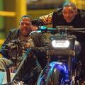 Bréking Nyúz: A Bad Boys 3 forgatása véget ért, a Bond 25-é pedig elkezdődött. Újabb volt pankrátor a Halálos iramban-szériában. Ő fog segíteni Tomnak és Jerrynek. Elhunyt a Chewbacca-t alakító színész.