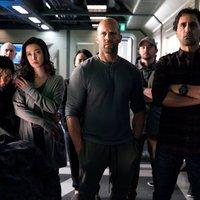 Jason Statham vs. Óriáscápa: The Meg-trailer + poszter