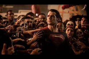 Batman és Superman ezúttal már jól meg is verik egymást