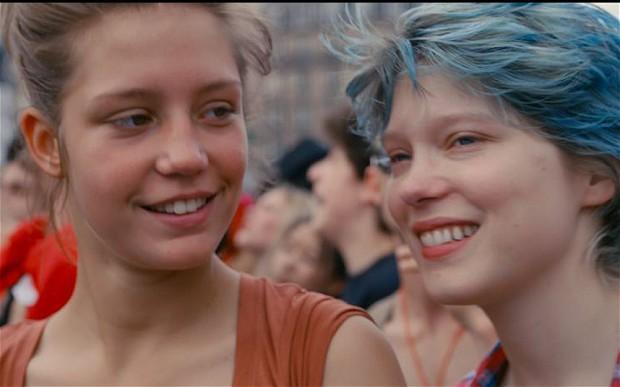 A kék a legmelegebb színű leszbikus szex