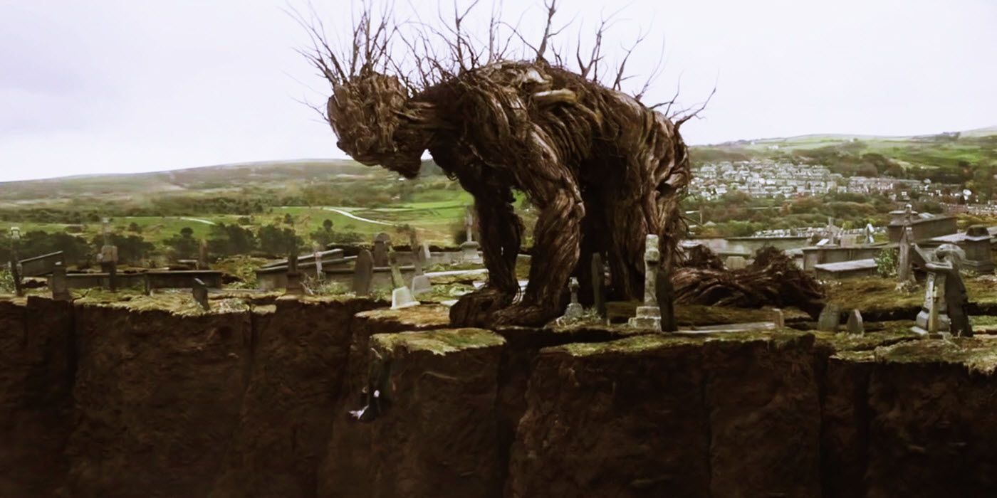 a-monster-calls-conor-falling_0.jpg