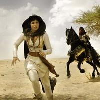 Tébolyult anyátlanok a perzsa sivatagban, avagy az adaptációk szezonja