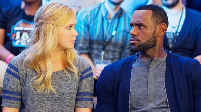 3048626-poster-p-1-reinventing-the-romantic-comedy-with-amy-schumer-and-judd-apatows-trainwreck.jpg