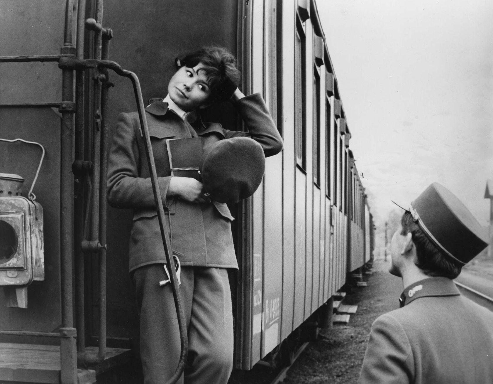 szigoruan_ellenorzott_vonatok3.jpg