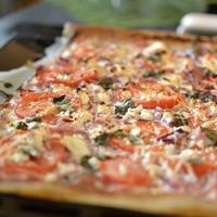 Sonkás-fetás pizza