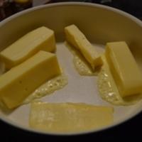 Sonkával és salátával töltött sajttekercs (meglepibulira)