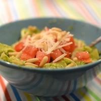 Pesto és a pesto-s tészta koktélparadicsommal