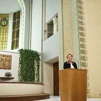Elnök és médiasztár a templomi szószéken