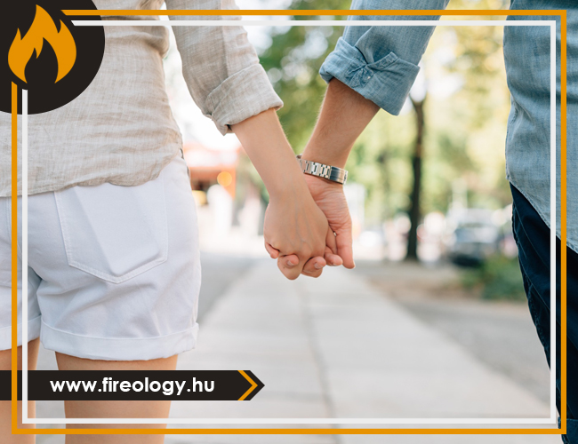 holding-hands-1149411_1920.jpg