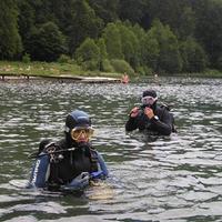 Búvárok a Szent Anna tóban