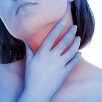 Nem múlik el a köhögésed, és a torkod is gyakran fáj? Lehet, hogy néma refluxod van.