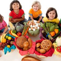 Hogyan szerettessük meg a gyerekkel az egészséges ételeket?