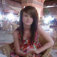 Georgina McDonell - 19 év, 71 kiló, 40-es bicepsz