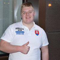 Világrekord: 14 évesen 245 kg-ot nyom fekve!
