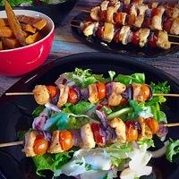 Csirke saslik édesburgonyával salátával