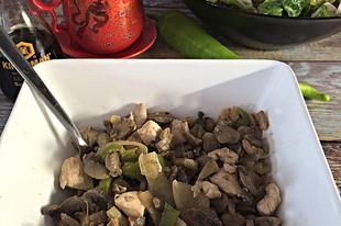 Gombás zöldpaprikás csirkemell- Kínai inspiráció 2.