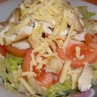 Mézes csirke salátában megbújva