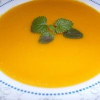Narancsos sárgarépa-krémleves