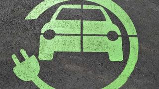 Ha autó, akkor legyen elektromos? Előnyök, hátrányok és tények.