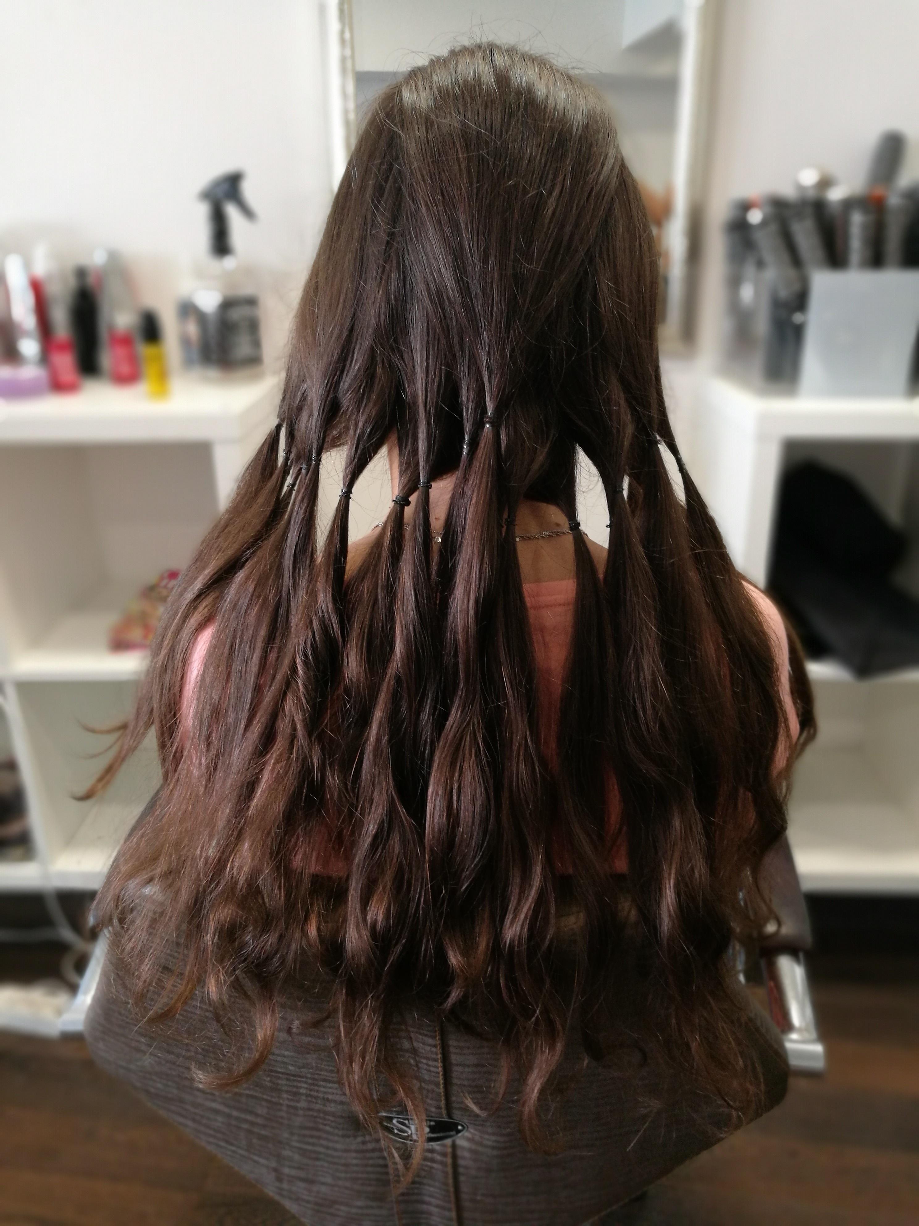 3. lépés maga a hajvágás. Az adományozónak lelkileg erősnek kell maradnia  elhatározásában 8446f3af6d