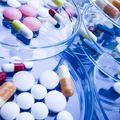 Ne csak az élelmiszerek, a gyógyszerek vásárlásakor is figyeljünk a lejárati időre!
