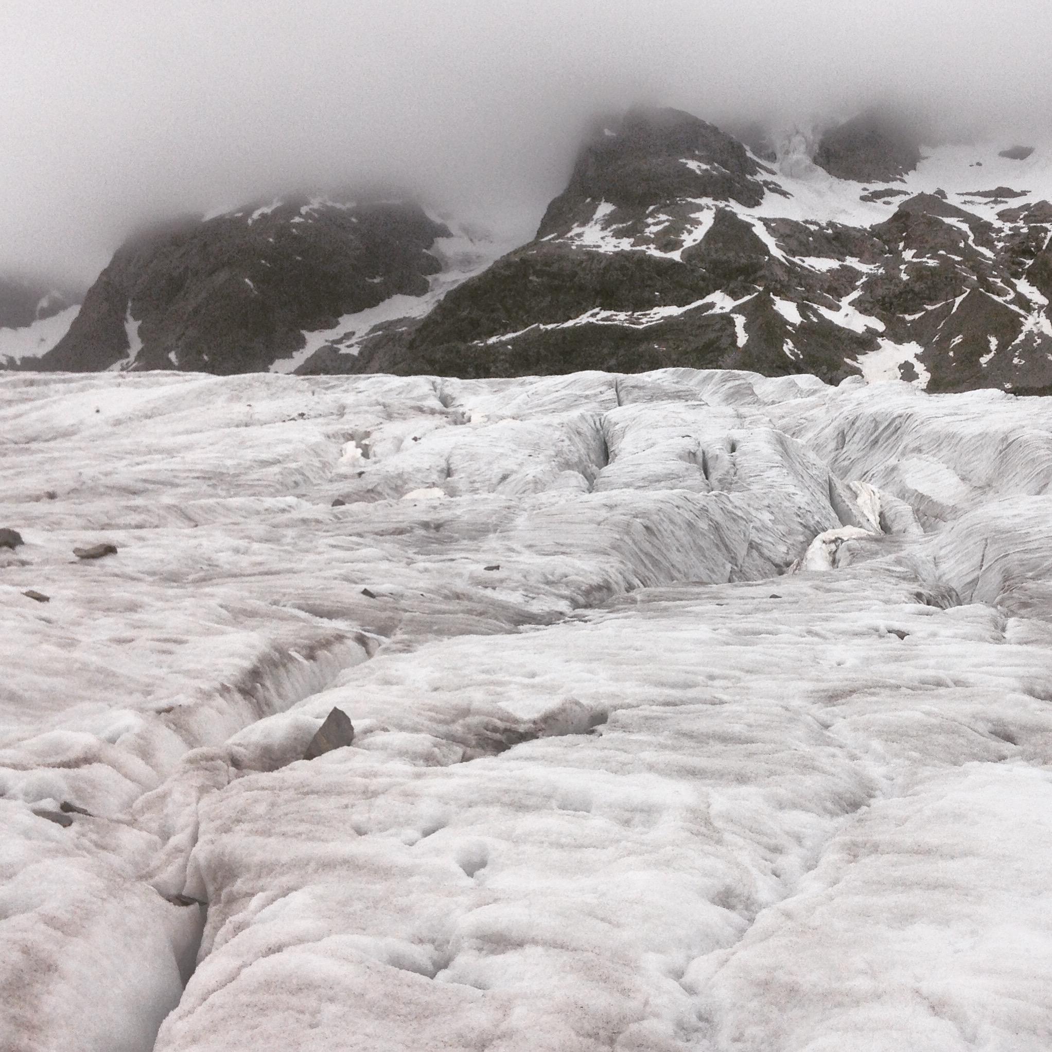 és gleccserek