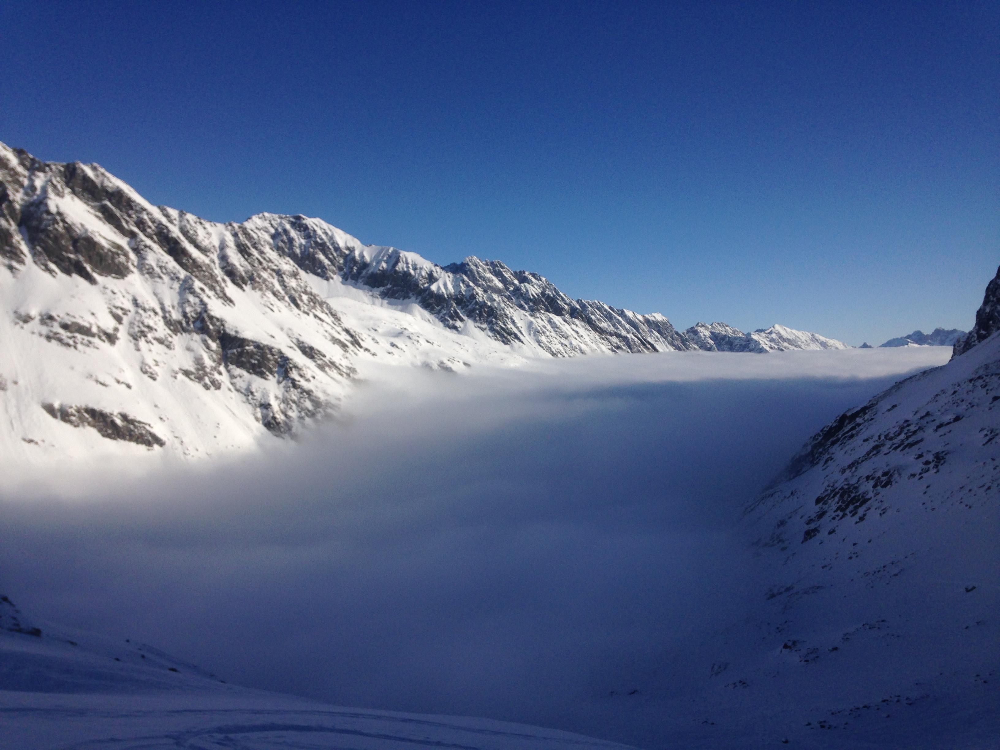 köd utánunk