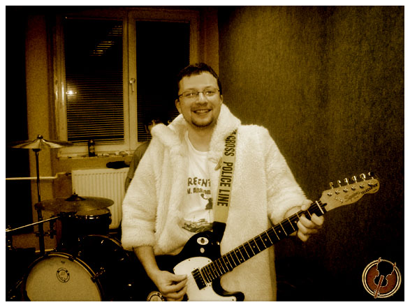 folk error bunda peti gitár