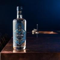 Itt az Opera – az első magyar craft-gin!