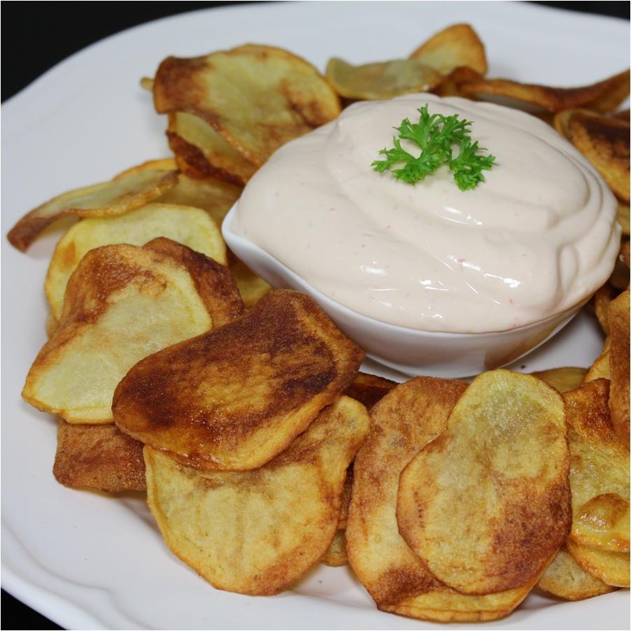 Chips morugás joghurtmártogatóssal