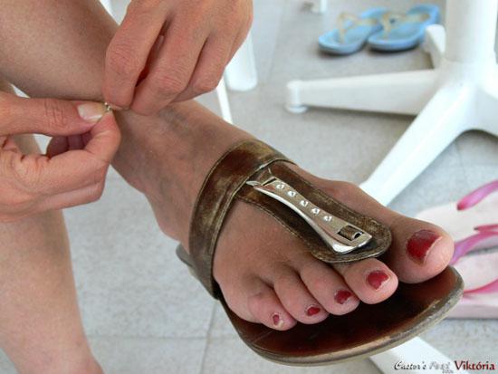 Magyar főiskolás lányok lábai