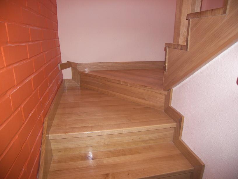 Lépcső, korlát - Forgács Bútoripari Bt. - Bútortervezés kivitelezés