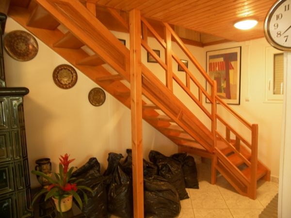 Forgács Bútor lépcső korlát lépcsőtervezés