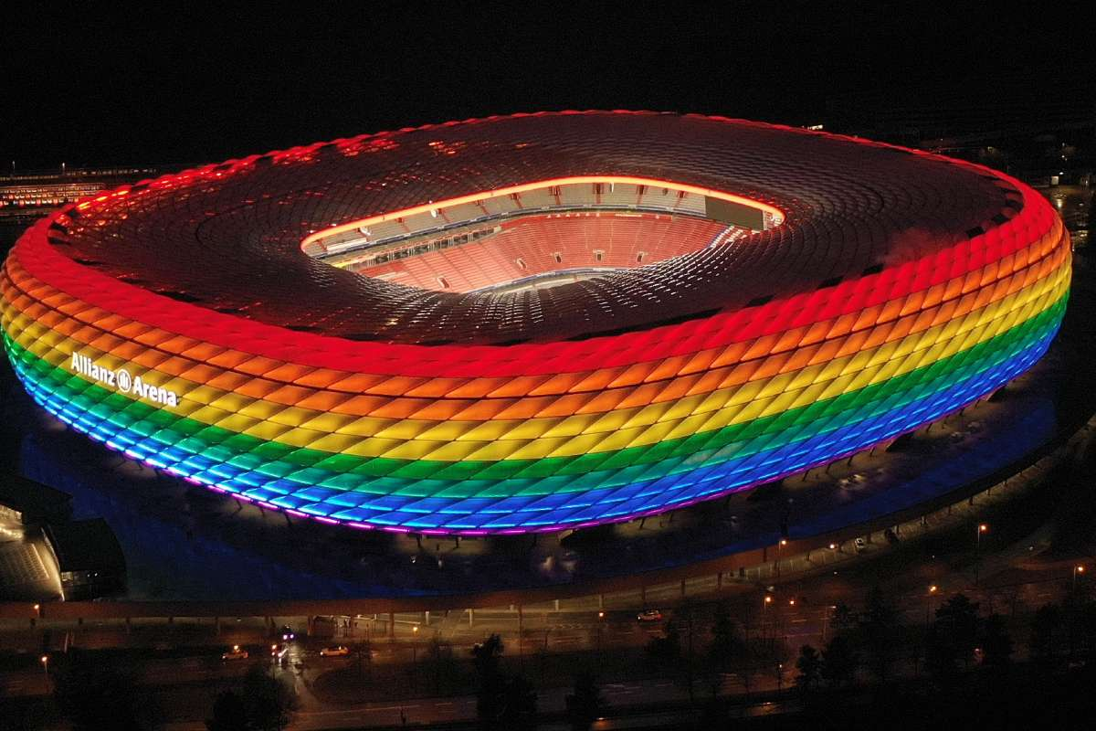 allianz_arena_rainbow.jpg