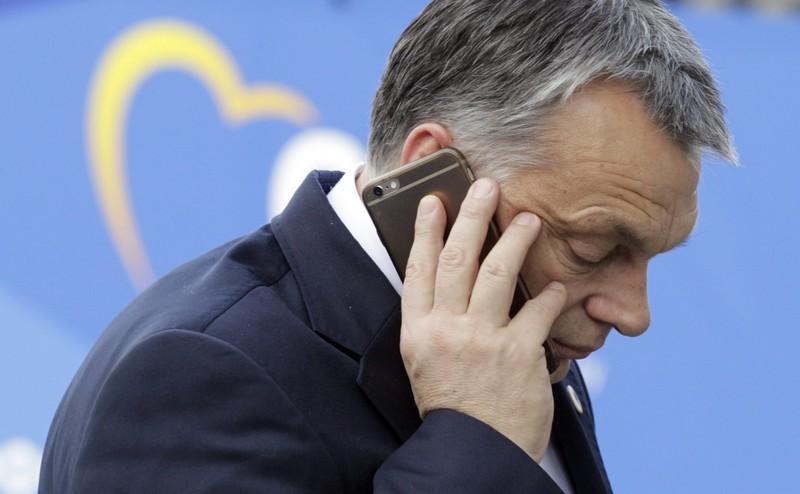orban_telefon.jpg