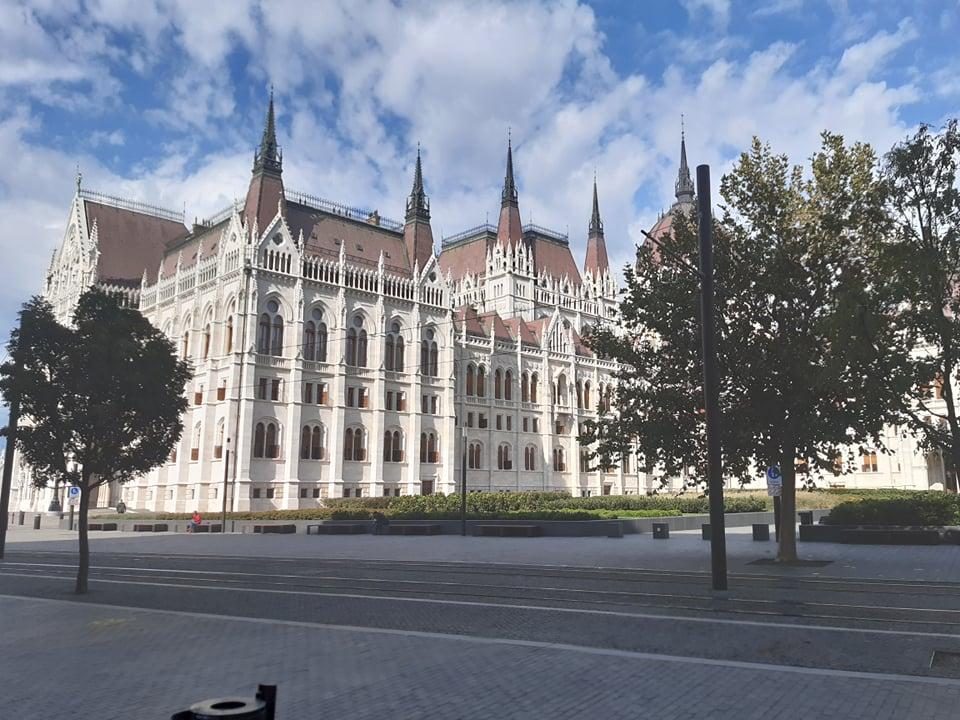 parlament_igazi_cimlap.jpg
