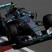 F1 Rosberg zárt az élen a piros zászlókkal tarkított 3. edzésen