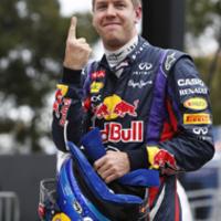 Vettel 38. F1-es pole pozícióját szerezte meg Sepangban