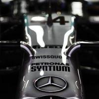 F1 Hamilton nyert, a Mercedes világbajnoki címet ünnepelhet Szocsiban