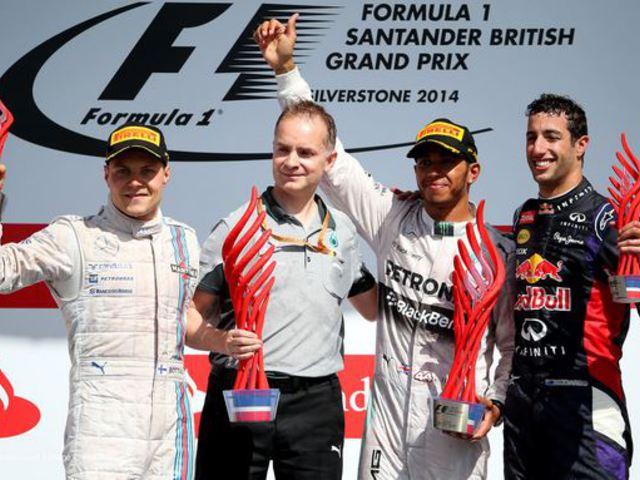 F1 Hamilton nem kér a műanyag trófeákból
