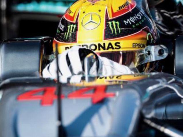 F1 Hamilton volt a leggyorsabb az első tesztnapon