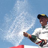 F1 Haug: Schumacher nem kritizál minket, nem zajong a médiában, és hitelesen tudott örülni Valenciában
