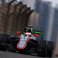 F1 A McLaren Monacóban villantana