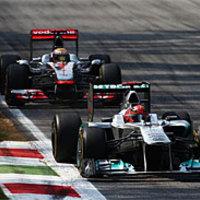 Schumacher látványos versenye nem hozott osztatlan sikert – Whitmarsh is kritizálta a németet