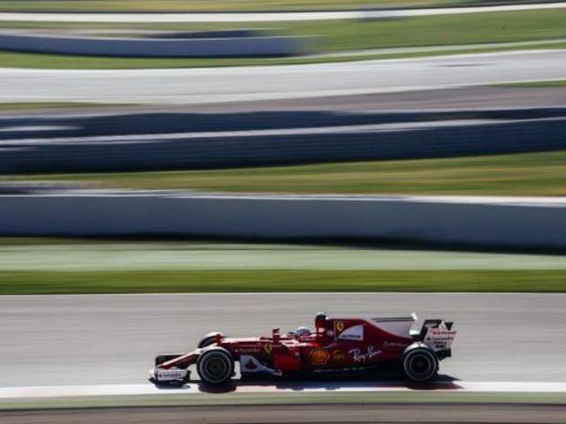 F1 Vettel és a Ferrari zárt élen az utolsó előtti tesztnapon