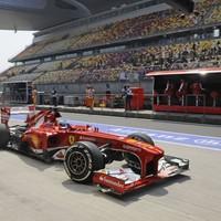 F1 Alonsóval az élen a két Ferrari villantott a kvalifikáció előtti edzésen
