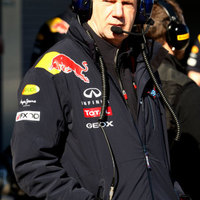 Newey kissé aggódik a Mercedes késői bemutatója miatt