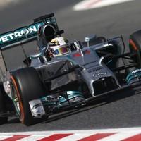 F1 Hamilton idei negyedik pole-ját húzta be Barcelonában
