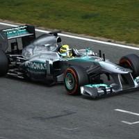 F1 Műszaki probléma után Nico Rosberg ugrott az élre a barcelonai első tesztnapon